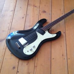 mosrite-ventures-bass-1965-black-400x400